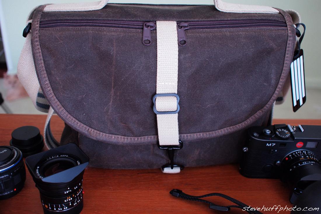 b293b56298 I found my bag! The Domke F-803. – Steve Huff Photo