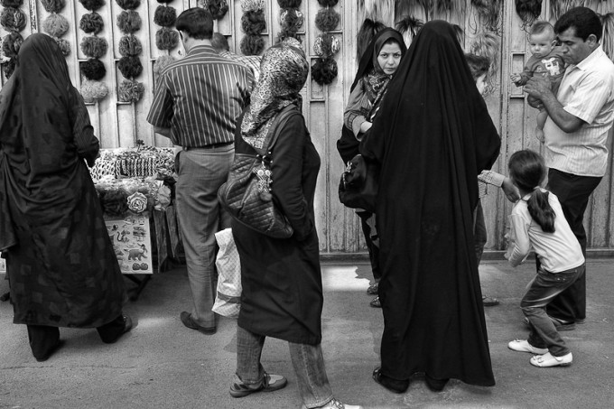 iran-street-photography-24