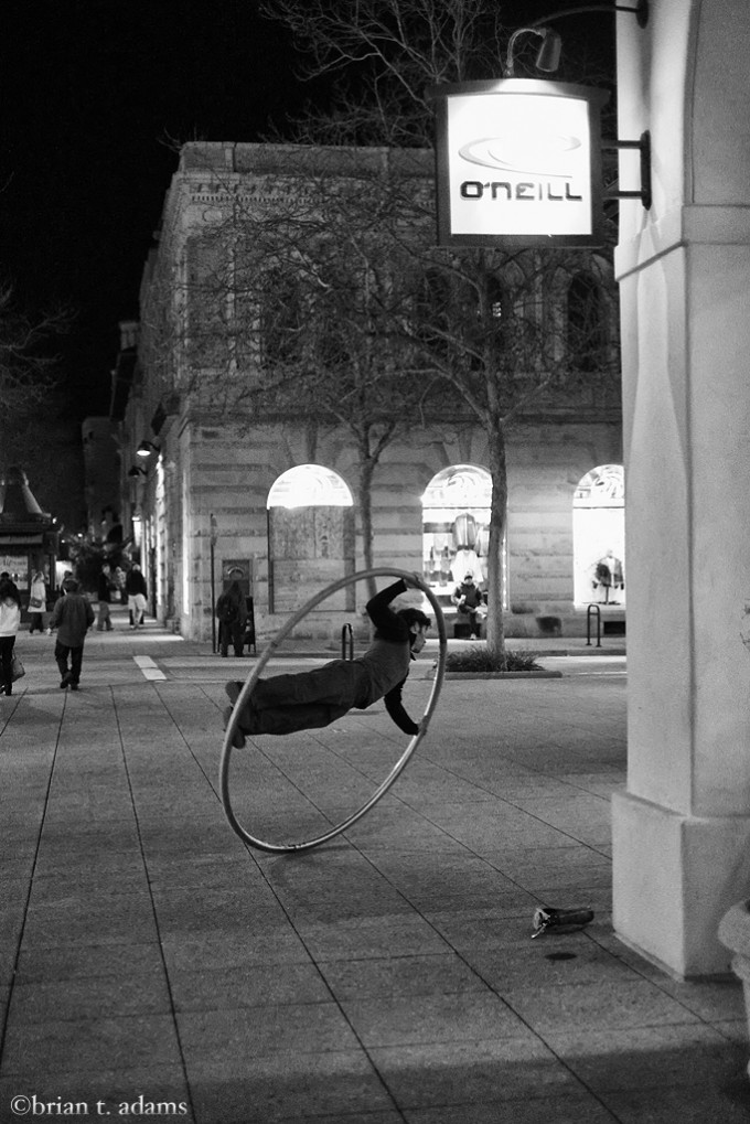 hoop.guy.bw.web