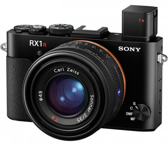 sony-rx-1r-ii-compact-camera-front-angle-pop-up-viewfinder